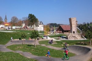 Die alla hopp!-Anlage: Begegnungsstätte für Generationen auf dem Schlossplatzgelände