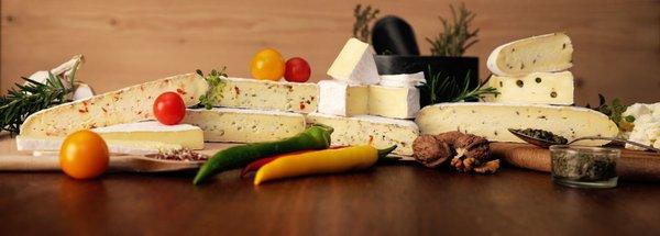Im Mittelpunkt der Kirchen-Käserei steht der hochwertige und schmackhafte Genuss von regionalem Käse