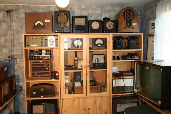 Insgesamt 1.000 Exponate im Elektromuseum Roigheim veranschaulichen die Entstehung und Entwicklung des Stroms, des Funkfunkwesens und des Freileitungsbaus.