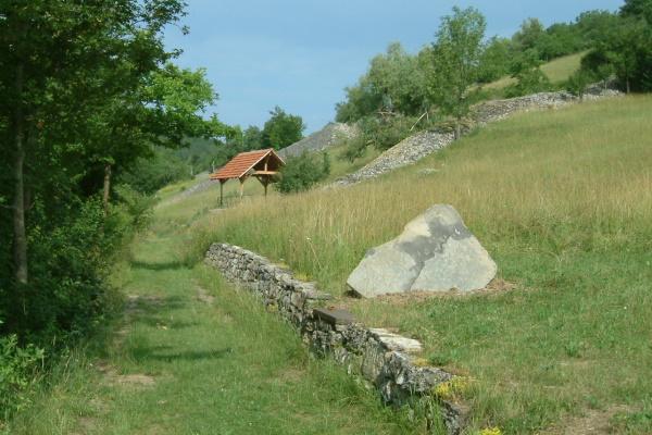 """Inmitten des Naturschutzgebietes """"Essigberg/Hörnle"""" liegt der historische Kalkofen der Gemeinde Roigheim"""