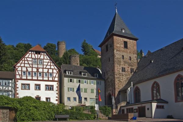 Mitteltor und Marktkirche Hirschhorn