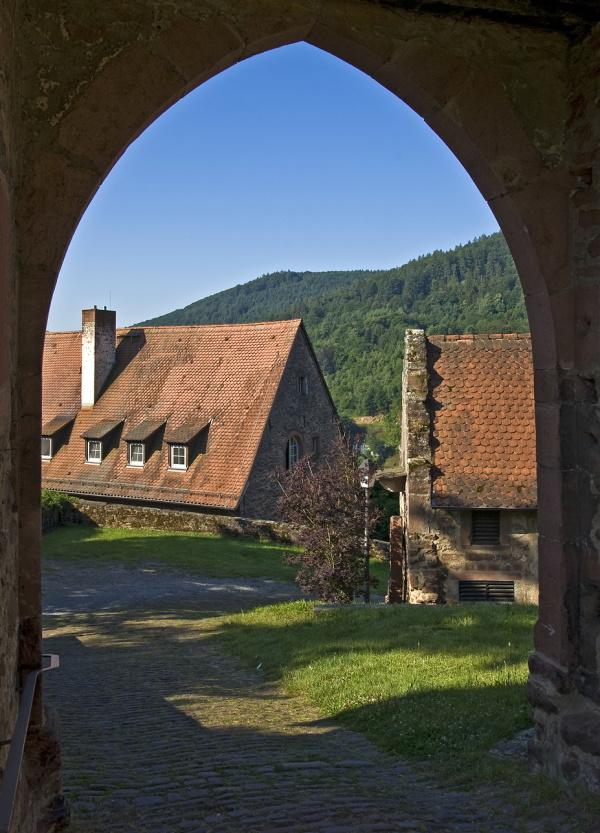 Burgtor - hier führt auch der Neckarsteig durch